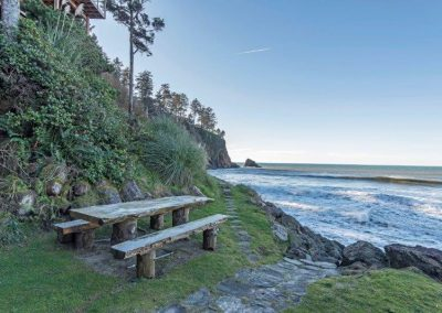 Ocean Oasis picnic table