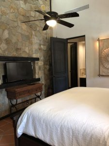 Featuring 5 king beds with attached bathrooms and satellite cable in all rooms