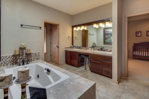 Master bathroom, jetted tub, walk in shower, double vanity