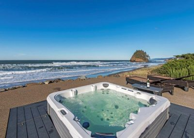 Surf Resort hot tub